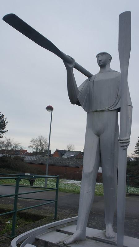 Escultura delante del río Scheldt