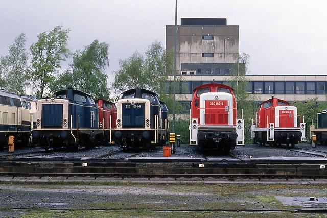 DB 212 055, 212 004, 290 183, 290 159 Braunschweig (D) 14 april 1990