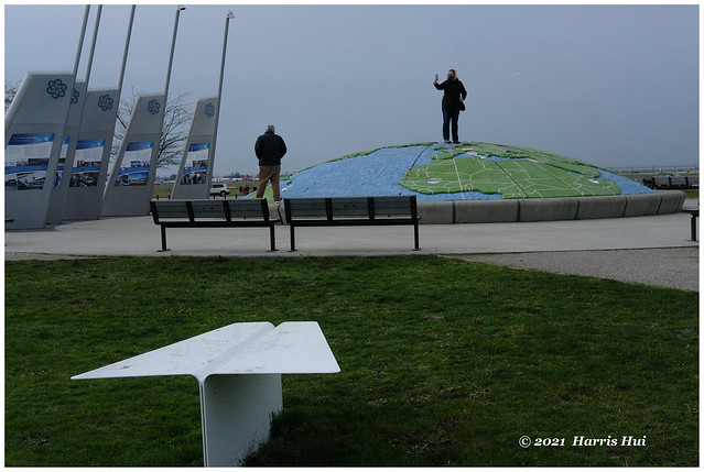 Take A Picture From The Top Of The World - Larry Berg Park XTT0706e