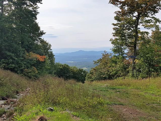Une Vue Sur Les Montagnes Du Vermont USA. 2020 09 07 15:56.58