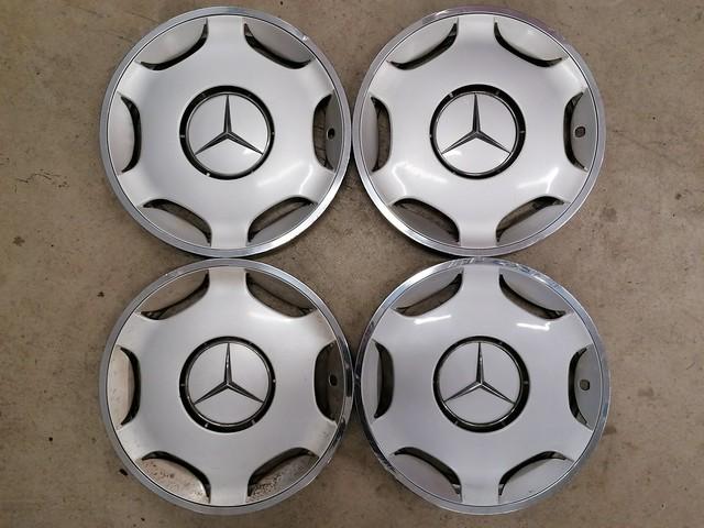 Mercedes-Benz W124 Wheel Trims