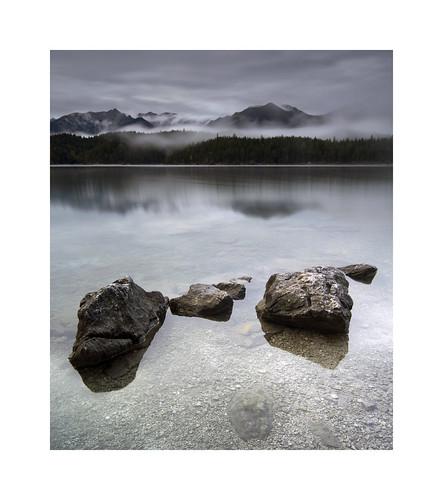 eibsee bayern bavaria lake see mountains alps alpen rocks longexposure pentax645d mediumformat landscape fog sunset