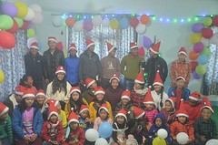 Merry-Christmas-Photo-in-Orphanage