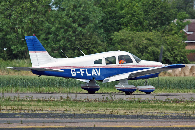 G-FLAV PA-28-161 Warrior II The Crew Flying Group EGCS 04-06-11
