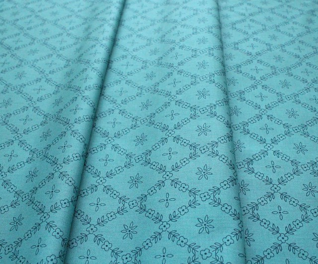 Cloud9 Fabrics Perennial 226994 Cottage