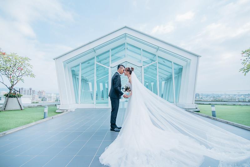 台中婚紗工作室、台中婚紗推薦、單租禮服、墾丁婚紗、婚戒、晚禮服、蘭嶼婚紗