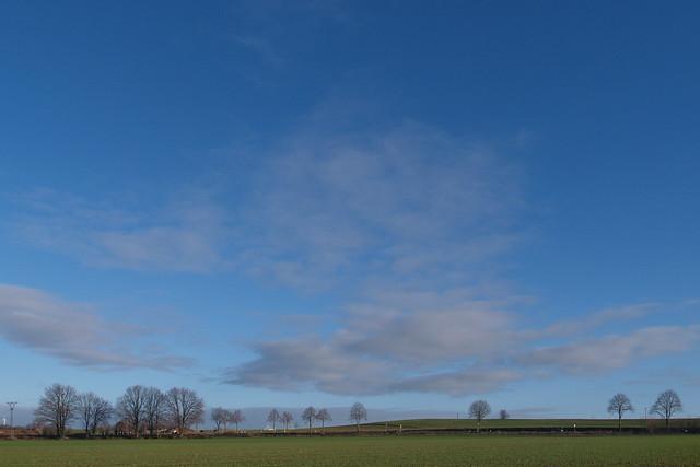 Blick in einem schönen Winterhimmel