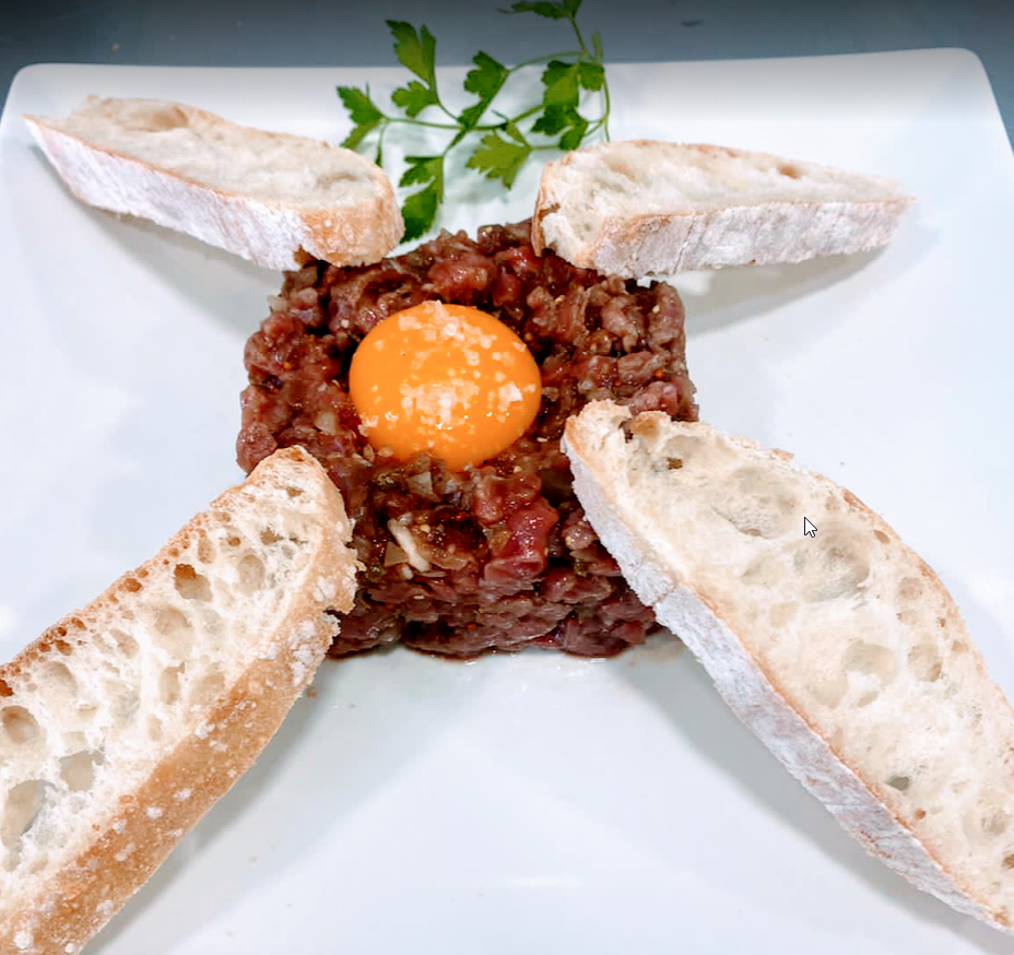 steak tartar of the Cova del Xifré