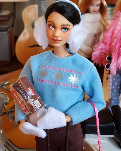 If it ever snows again, Catalina will go sledding and then will have come hot chocolate.  These older outfits came with fabulous accessories.