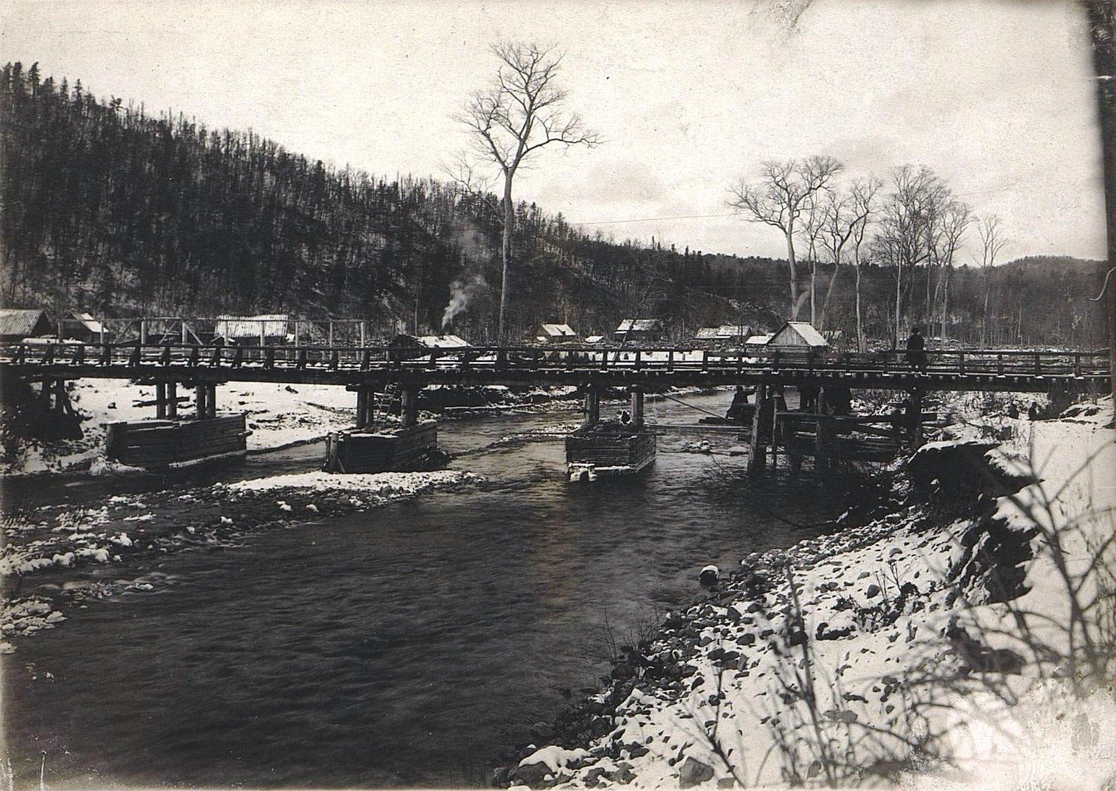 Река Сица и железнодорожный мост через неё