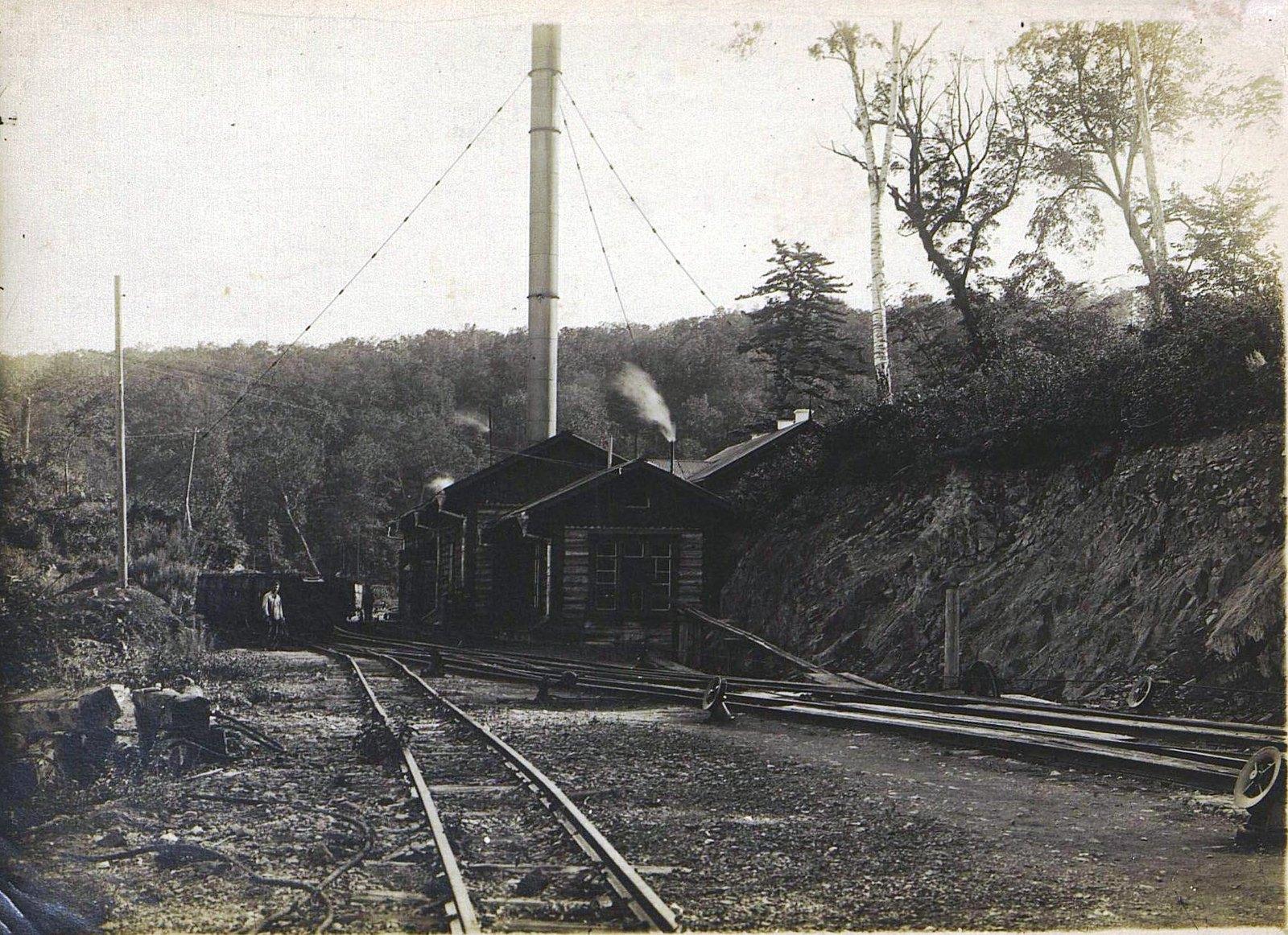 Одна из станций Сучанской узкоколейной железной дороги