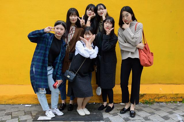 Funny Girls in Seoul