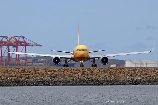DHL B767 VH-EXZ 13-12-2020 Sydney Airport