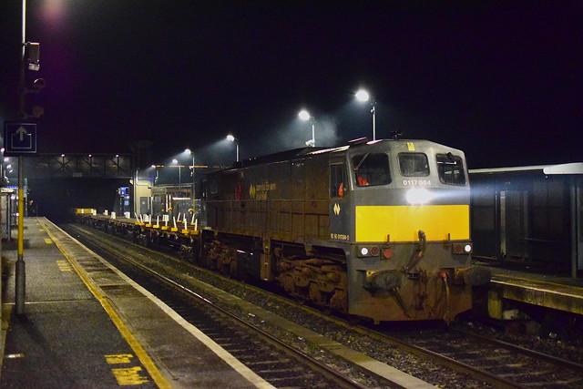 084 Materials train at Drumcondra 25:01:21