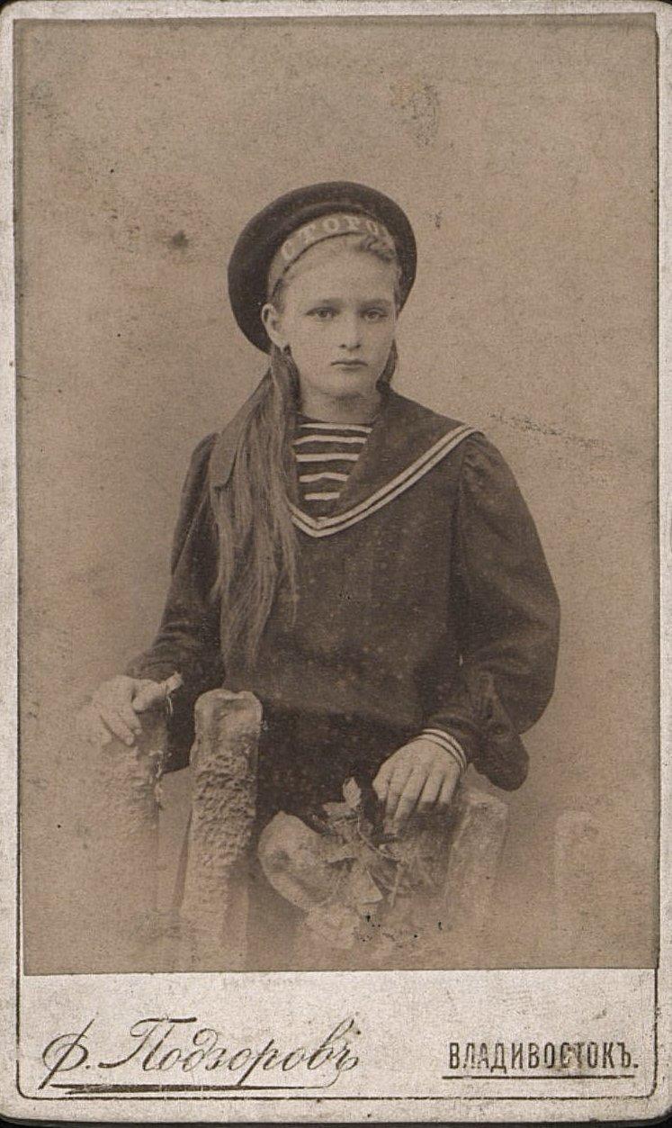 Гек Елена Фридольфовна, дочь шкипера Гека Фридольфа Кирилловича, плававшая с ним на шхуне Сторож. 1897