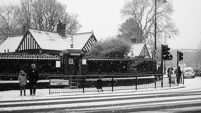 Juntion of Great Western Road, Queen Margaret Drive and Byres Road in the Snow