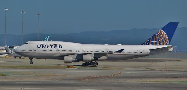 United Airlines Boeing 747-422 N174 UA