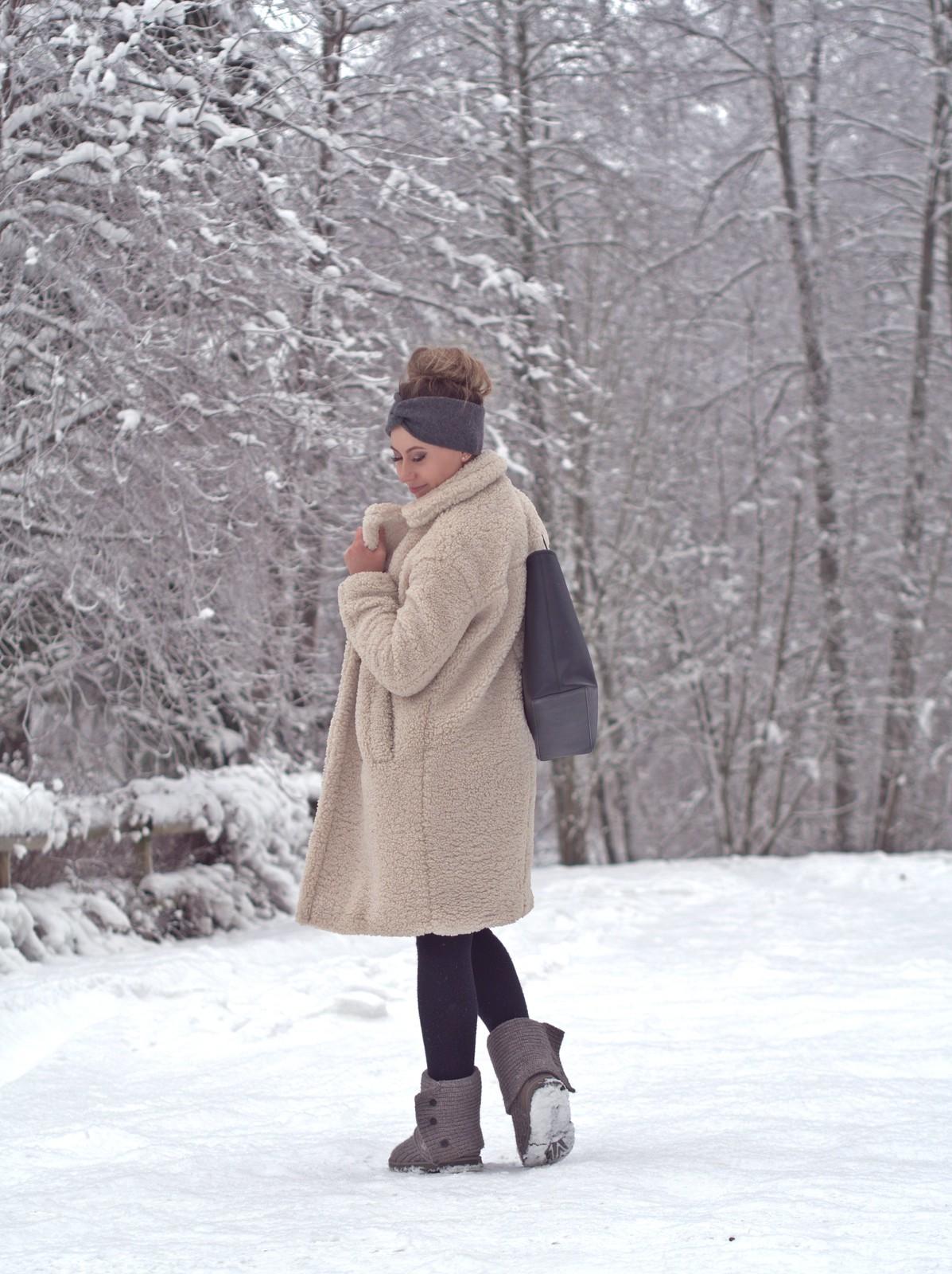 harmaa neule asu talveen