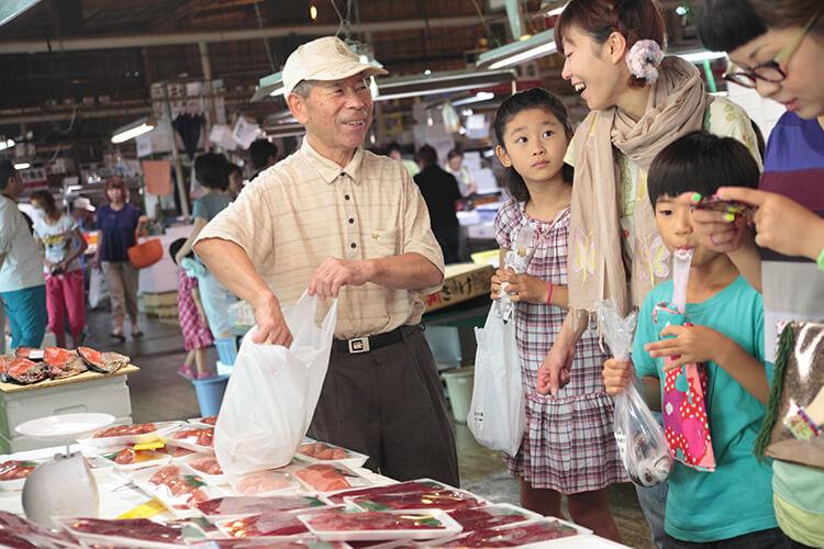 pasar ikan lokal di Shiogama Jepang