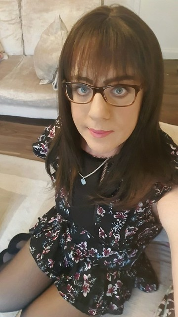 I've just found this pic on my phone from a few months ago and thought I looked rather sweet so...xx