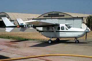 EC-IGT. Cessna 337H. Trabajos Aereos Martinez Ridao. LESB.
