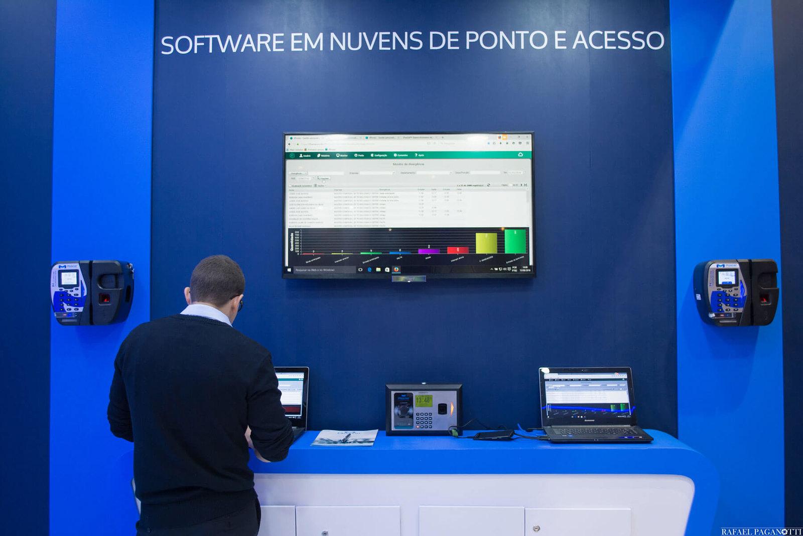 Software-em-nuvens