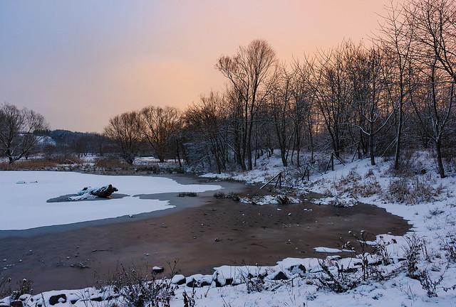 Noční zimní Milíčovský rybník