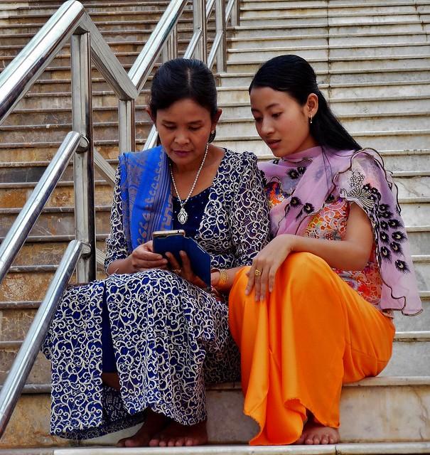 MYANMAR ,Burma , Naypyidaw die neue , ganz spezielle Hauptstadt, rund um die neue, gigantische Friedenspagode-Uppatasanti-Pagode, 78159/13341