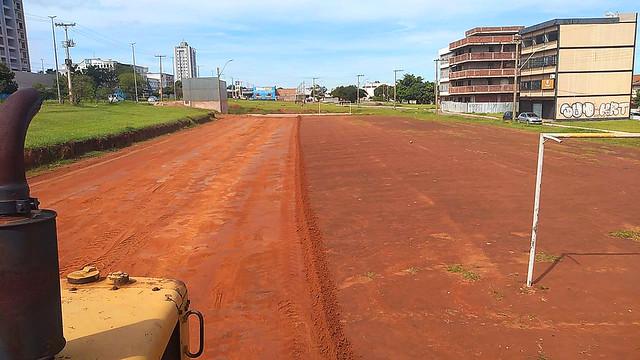 Samambaia ganha seis campos de futebol