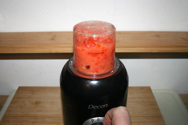 15 - Puree tomatoes / Tomaten pürieren