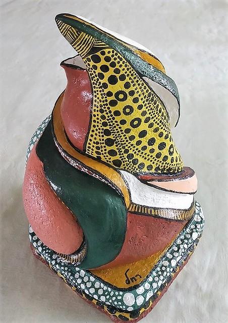 פסלת אמנית ישראלית עכשווית הפסלת הישראלית מופשט מופשטים היוצרות המודרניות