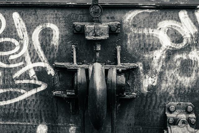 Mit Grafitti --- With graffiti