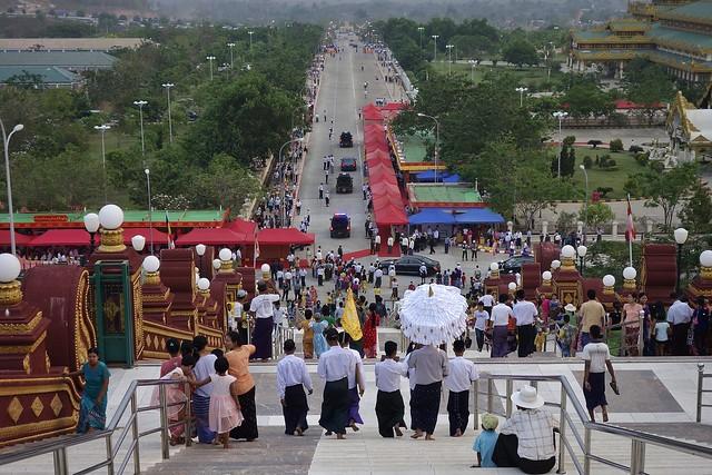 MYANMAR ,Burma , Naypyidaw die neue , ganz spezielle Hauptstadt, rund um die neue, gigantische Friedenspagode-Uppatasanti-Pagode, 78161/13343