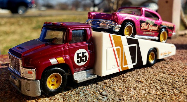 Hotwheels Carry on with 55 Chevy super treasure hunt