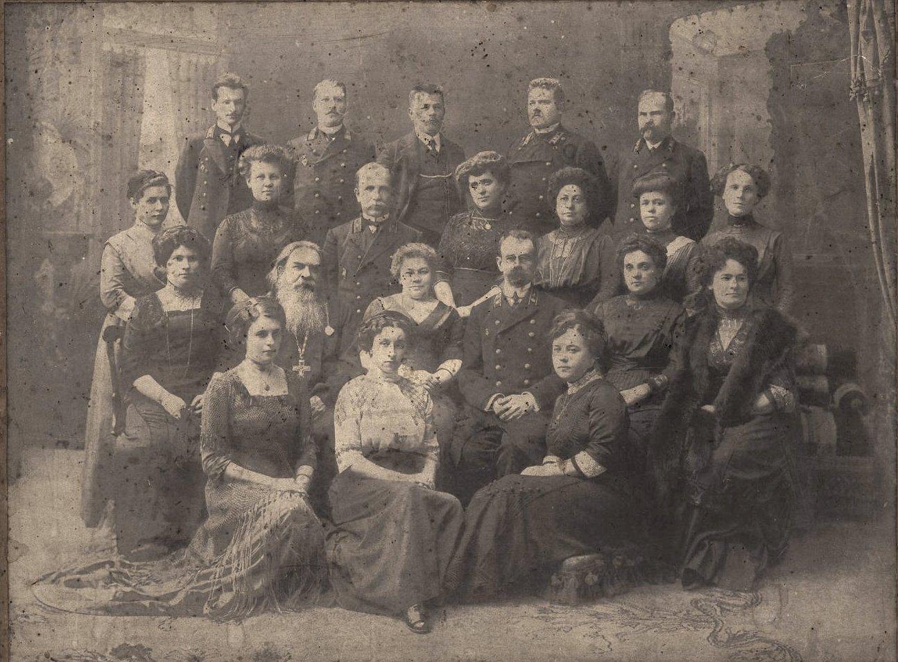 Преподаватели женской казённой гимназии. 1907-1911 гг.