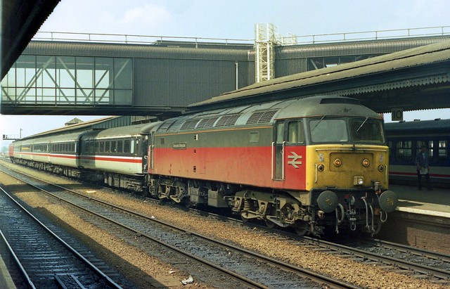 47522 stops at Reading Station seen on 25-5-91 (John Low photo). I Cuthbertson collection