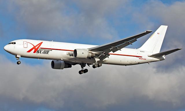 N219CY - Boeing 767-383(ER)(BDSF) - LHR