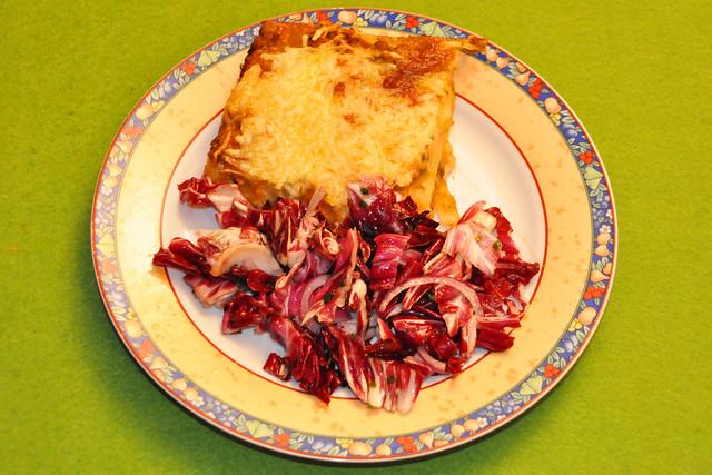 Januar 2021 ... Lasagne mit Radicchio-Salat_1_Brigitte Stolle