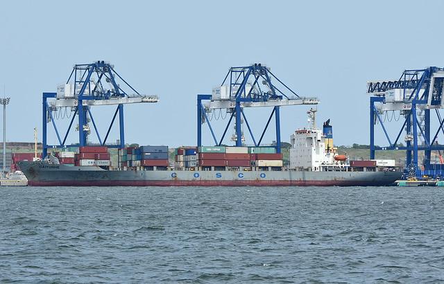 Cosco Shipping, CAI YUN HE in port of Tokyo