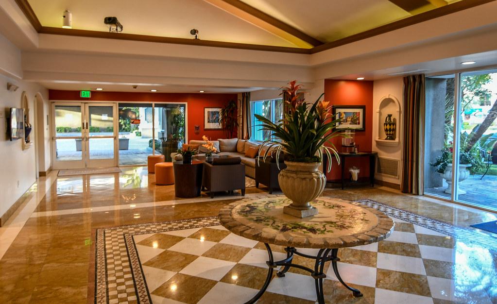 Portofino Anaheim lobby