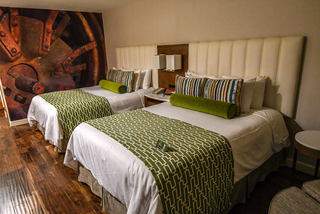 Hotel Indigo mural beds