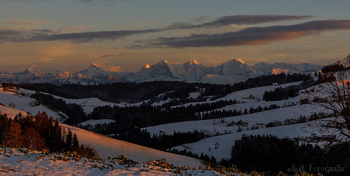 mountains bern berge kantonbern alpen schweiz switzerland sunsetssunrisesaroundtheworld121countries sunsetssunrises sunset sonnenuntergang canoneosr canonrf24105 winter snow landscape landschaft pano panorama nature