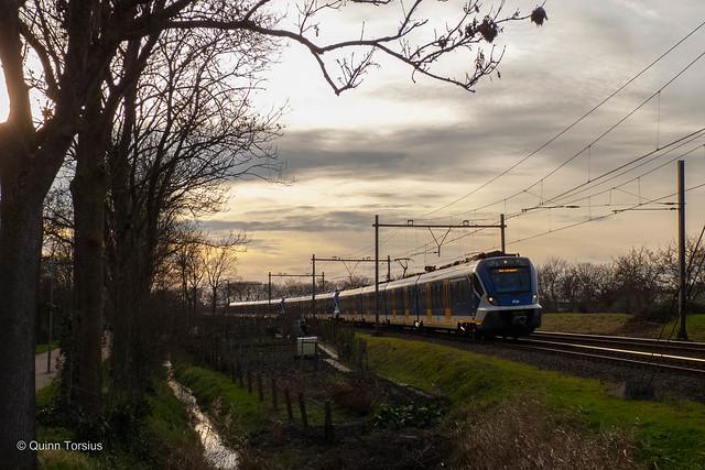 SNG 2723+3002+2752 naar Roosendaal door Middelburg, 20 januari 2021