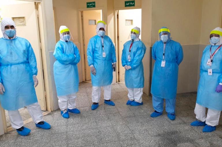 加薩走廊的醫療人員在新冠肺炎疫情期間面臨設備嚴重不足。(圖片來源:Walid Mahmoud/Al Jazeera)