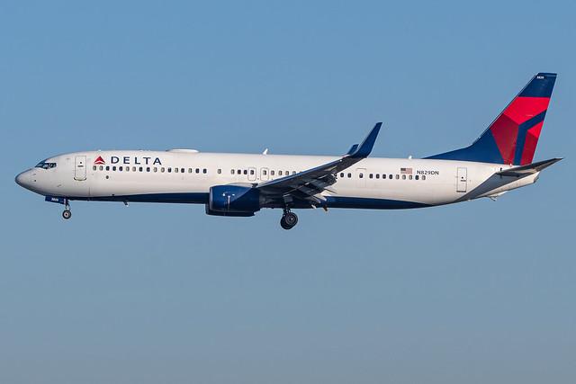 Delta / B739 / N829DN / KLAX 24R