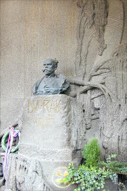 Le monument funéraire d'A. Dvořák  à Vyšehrad (Prague)