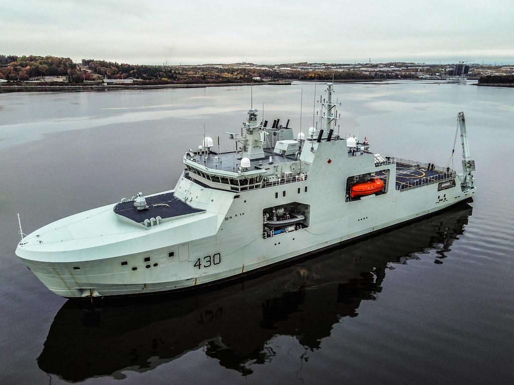 HMCS HARRY DEWOLF - Bedford, N.S.