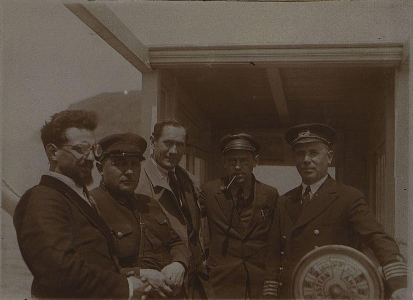 На капитанском мостике. Берзин А. П. 1931