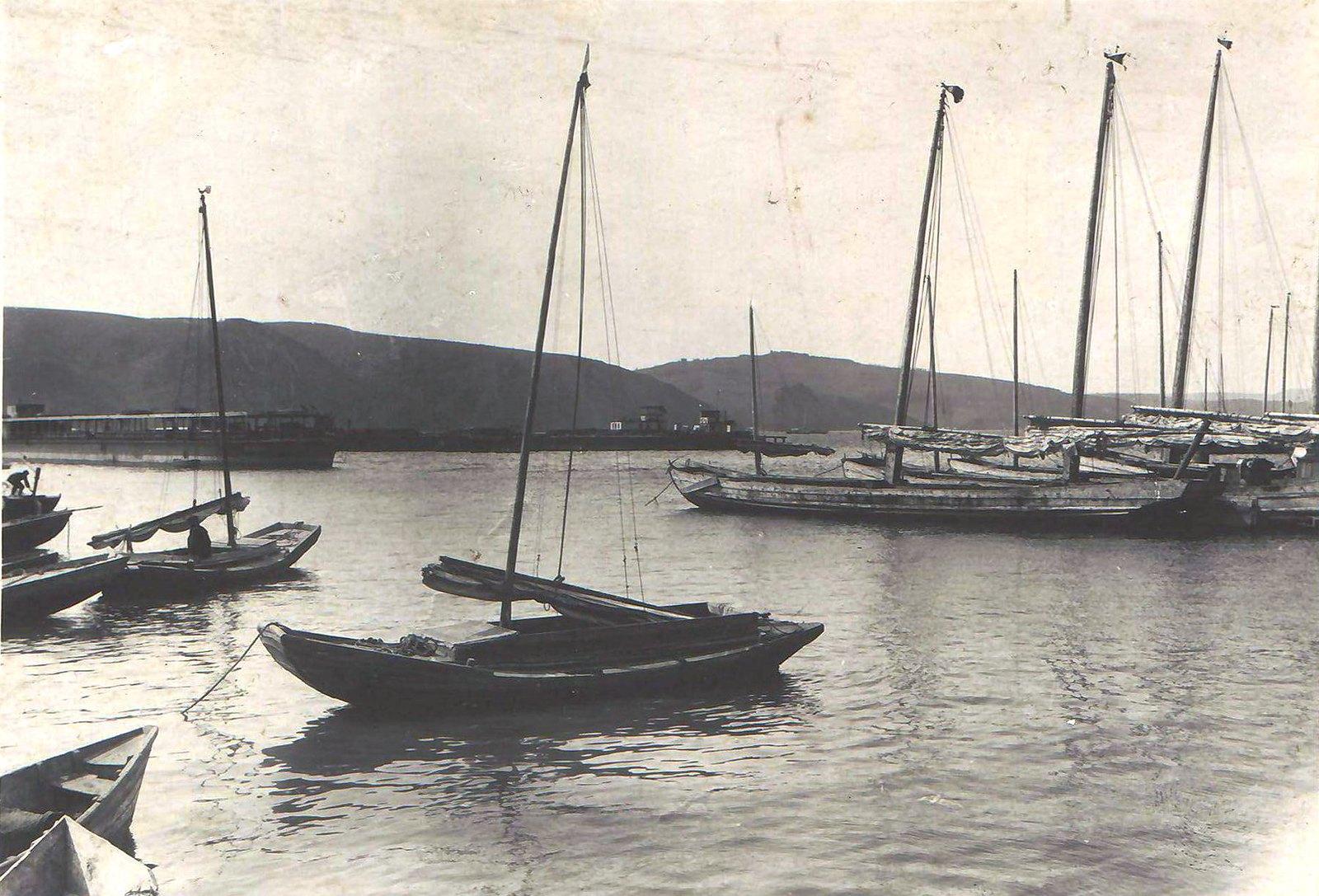 03. Лодки «Шампунька» и «Халка» на рейде Николаевска