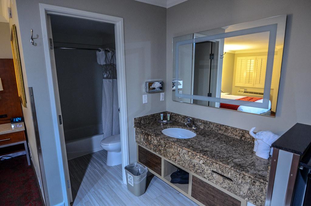 Del Sol Inn bathroom sink